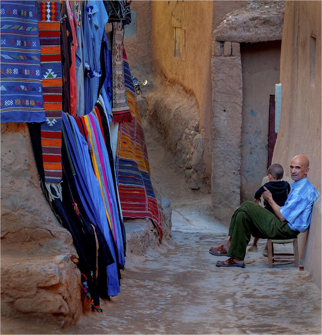 Grandpa and Grandson in Moroccan Alley – Willie Labuschagne