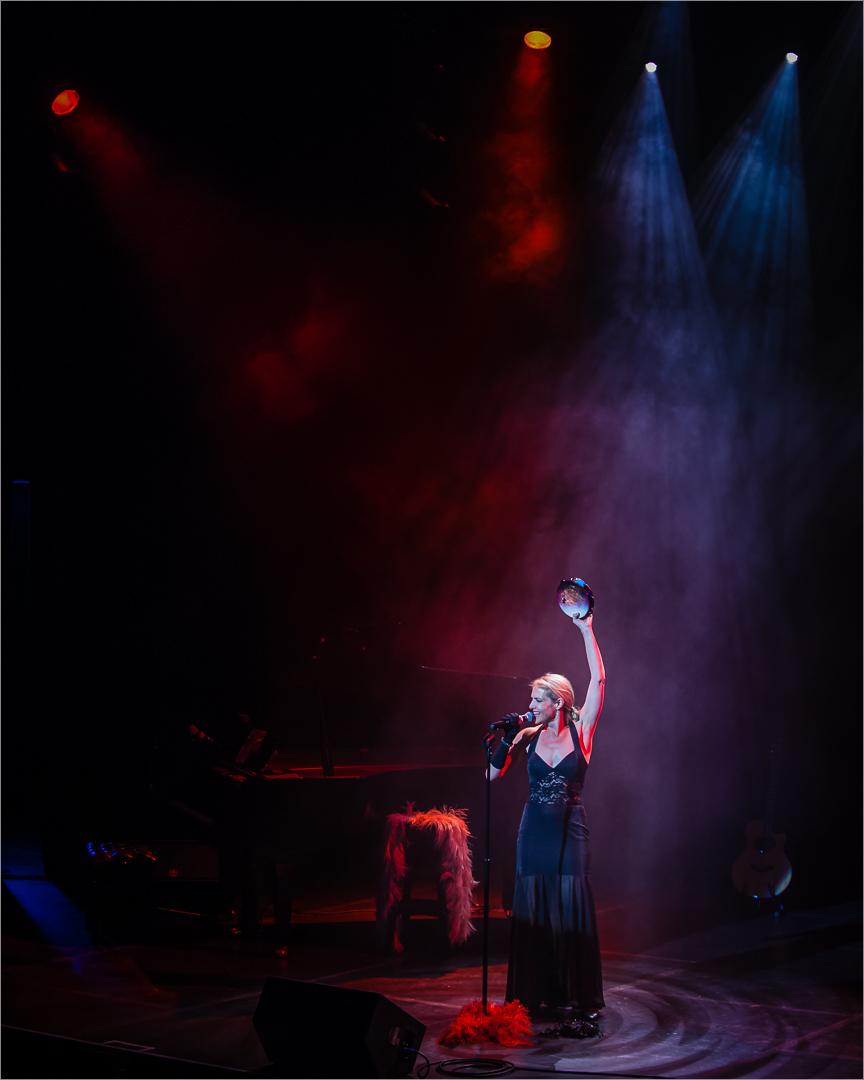 Helena on Stage – Leo Theron